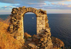 Нос Калиакра – магнетични пейзажи и легенди