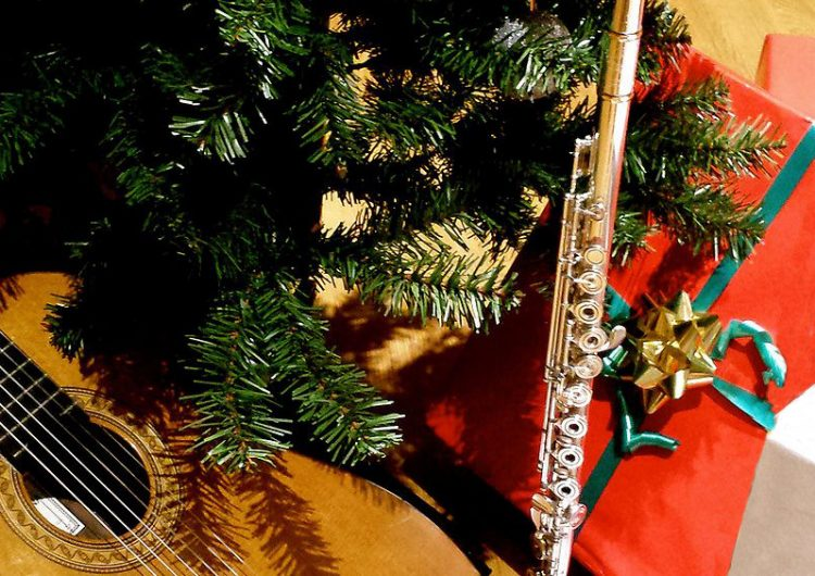 """Млади таланти на """"Палитра"""" подаряват """"Звукът на Коледа"""""""