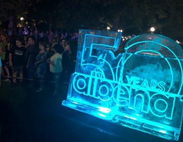 Хиляди празнуваха 50 години Албена с мюзикъл, огромна торта и пищна заря