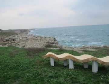 Причудливи пейки превръщат в арт пространство бреговете край Шабла