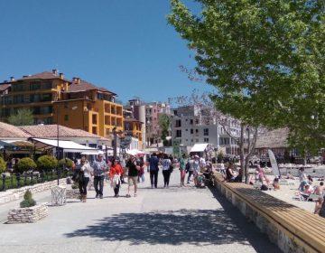 Силен месец август за туризма в Балчик, с пълни хотели и кръчми